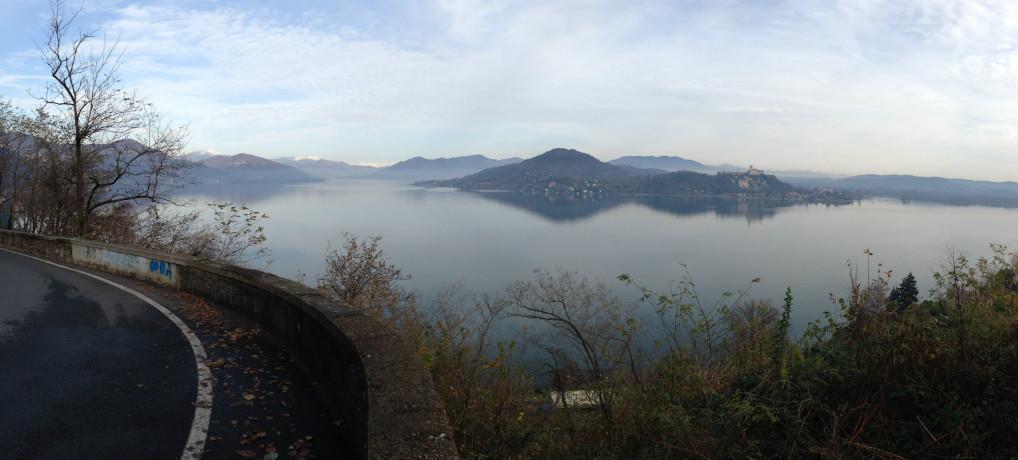 Udsigt over Lago Maggiore i udkanten af Arona.