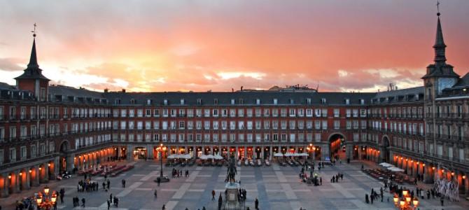 """Kom eksklusivt """"bag facaden"""" i Spanien"""